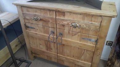 meuble bas portes et tiroirs Image